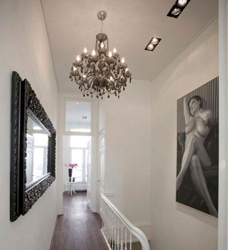 C mo integrar piezas antiguas en una decoraci n actual for Espejos grandes para pasillos